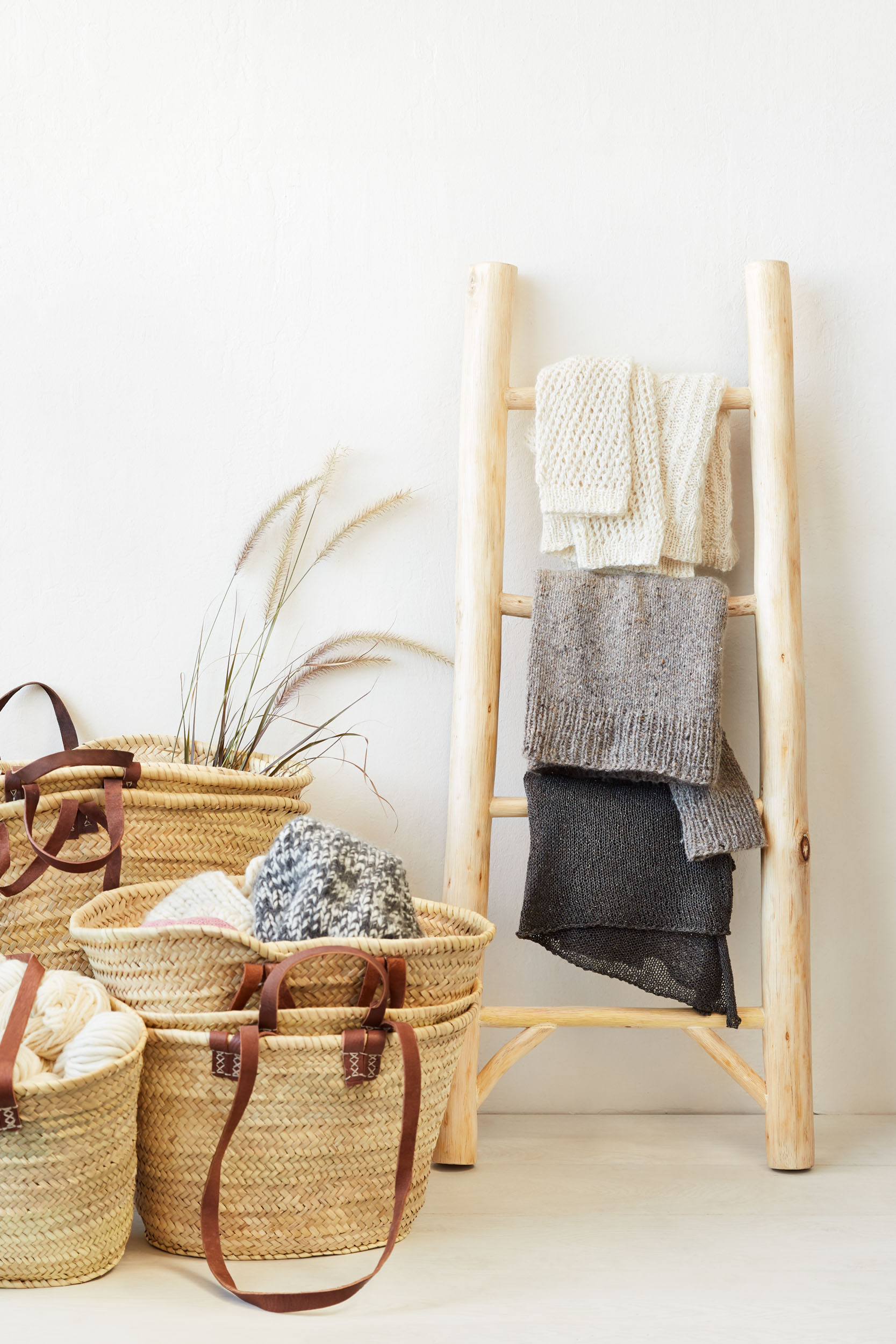 2018.10_001_CocoKnits_StillLife_SweaterLadder